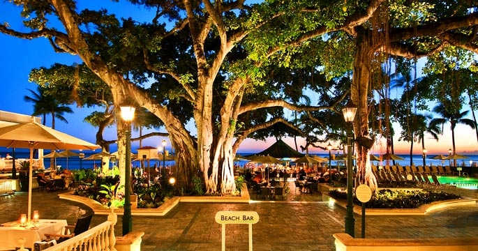 The Banyan Courtyard At Moana Surfrider Resort Provides A Tropical Gathering Spot On Edge Of Waikiki Beach For Drink And Live Entertainment
