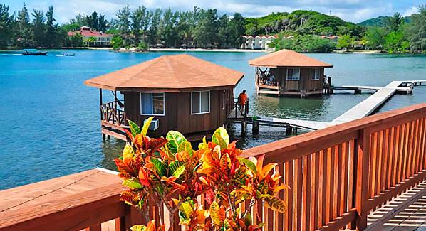 Coco View Resort Bungalows Honduras