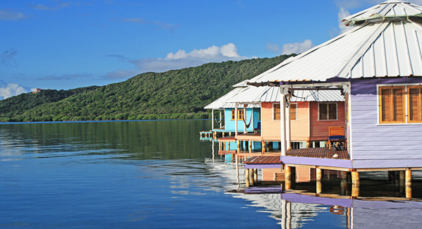 Mango Creek Lodge Cabanas Honduras