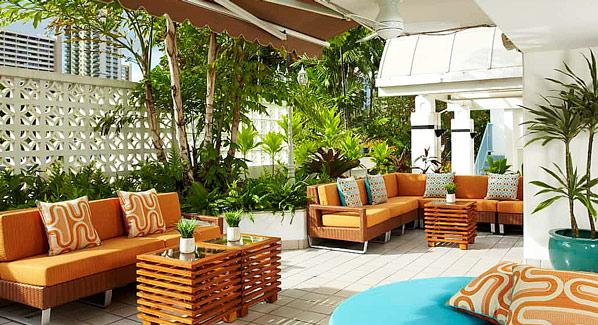 Acqua Hotel Waikiki Lobby