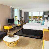 Warwick Hotel Harbour Paradise Island Bahamas