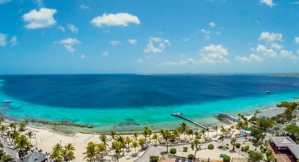 Bonaire Plaza
