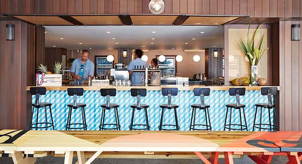 Waikiki Surfjack Hotel Bar