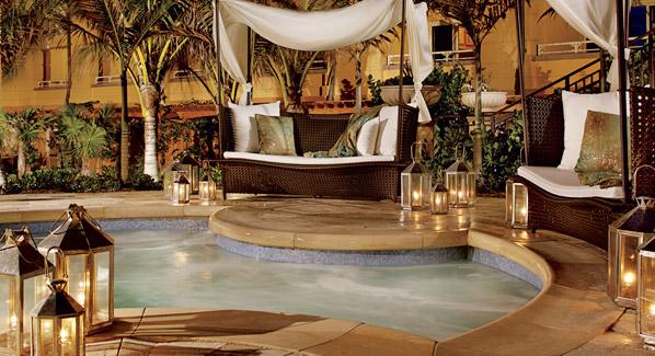 Palm Beach Eau Resort